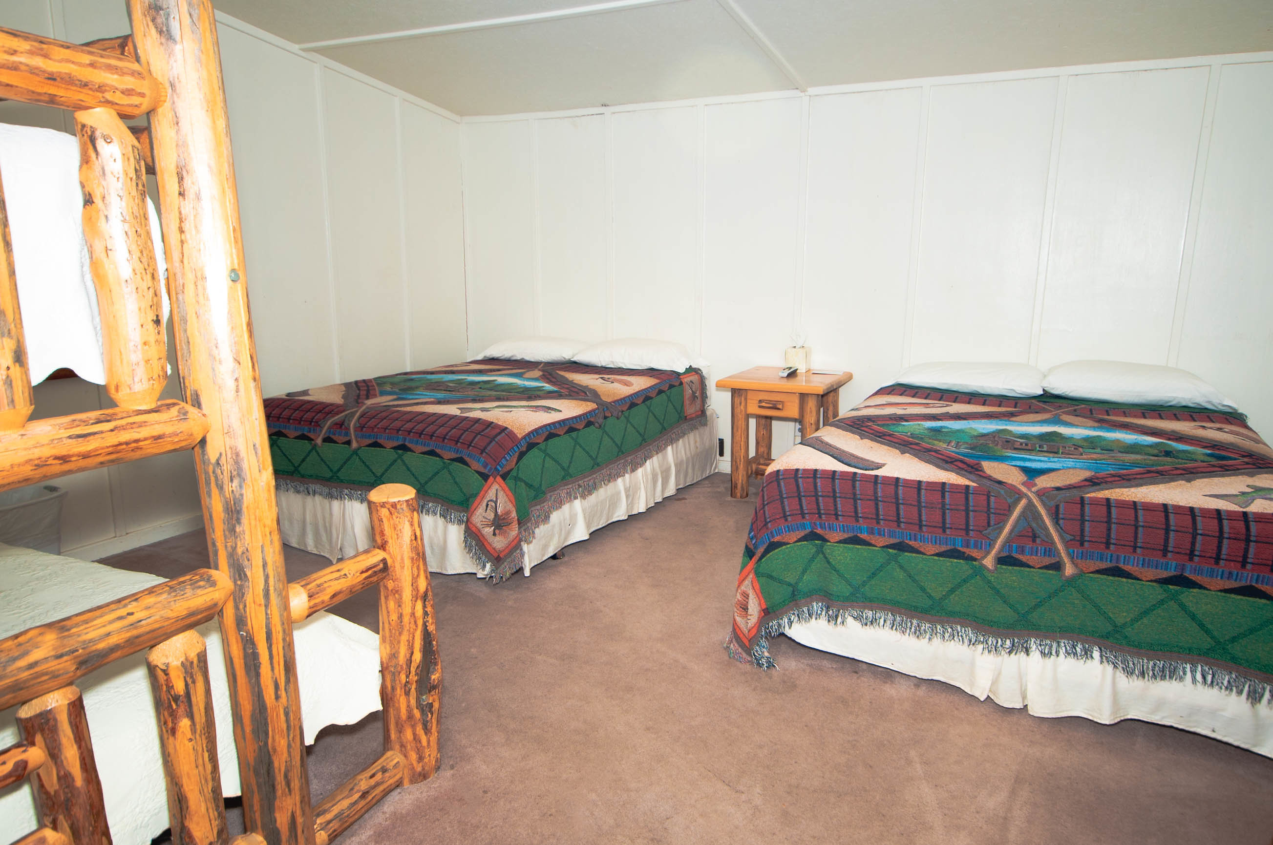3. Bunkhouse 4 2 Queens and Bunkbed 1