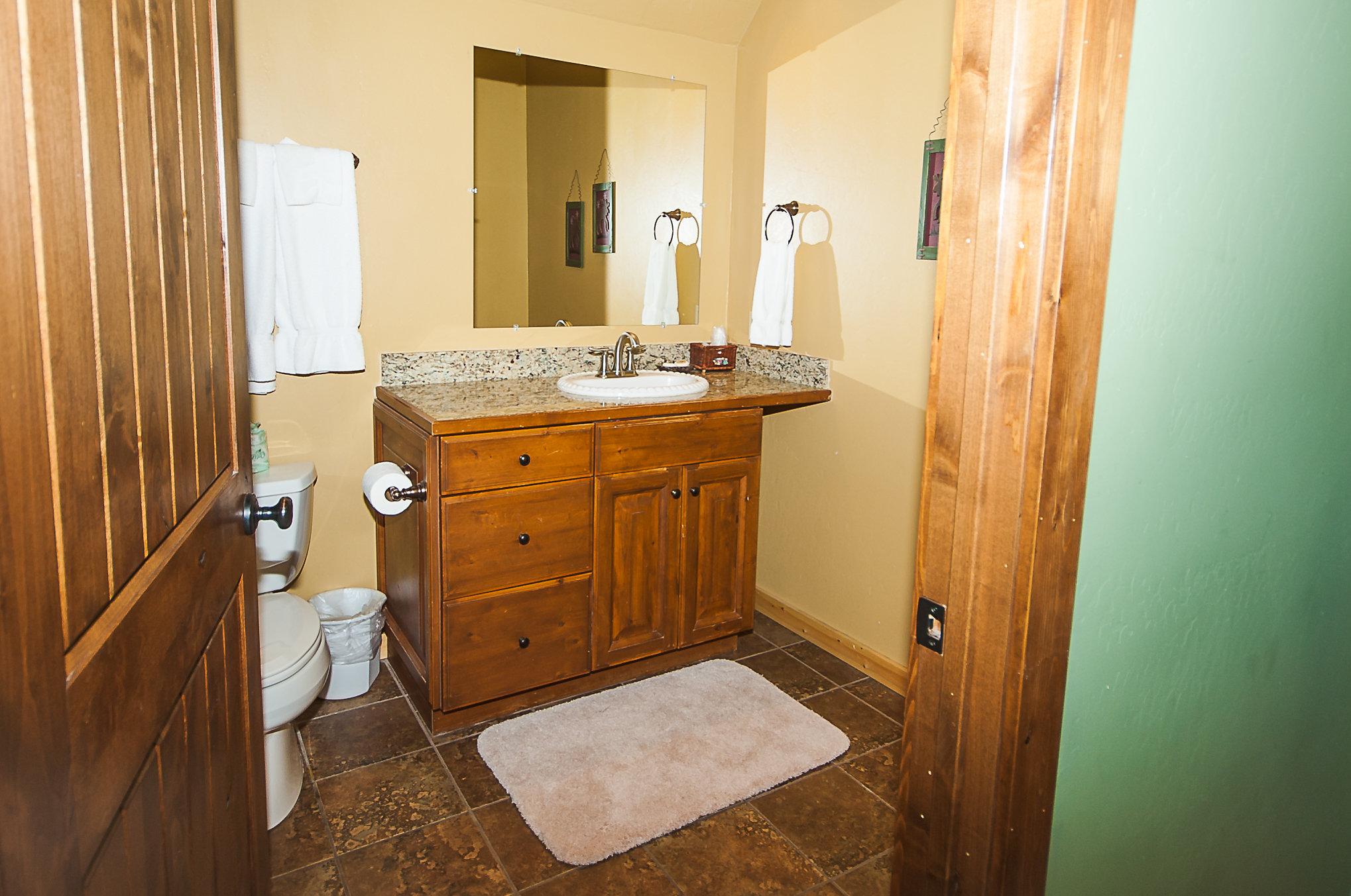 8. C16 Upstairs Full Bath