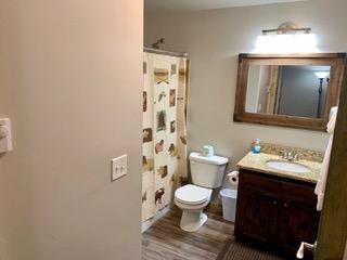 6-3bathroom1