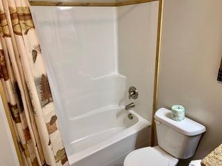 6-3bathroom2
